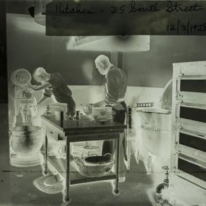 Kitchen 25 South St 1928_01.jpg