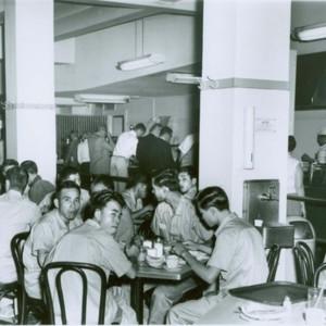 25SouthStreet_Cafeteria_03.jpg