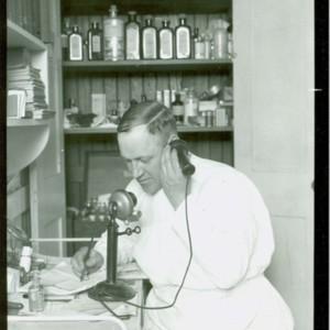 MedicoRadioStation_03.jpg