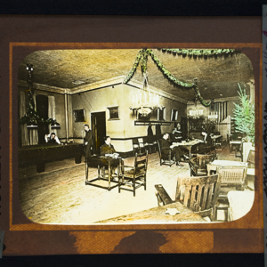 Apprentice Room at Christmas Time 1922_162.jpg