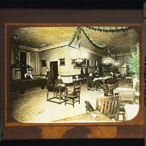 Apprentice Room at Christmas Time 1922_162.jpg